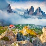 Rifugio Lacatelli in Nationaal Park Tre Cime di Lavaredo Stock Afbeelding