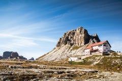 Rifugio Locatelli, Drei Zinnen Naturalny park, Włoscy dolomity o obraz stock