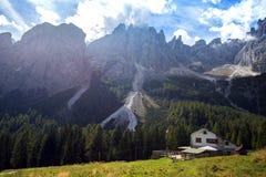Rifugio Lunelli bij de Dolomietbergen Stock Foto's