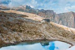 Rifugio Pisciadu auf Sella Ronda Dolomites Italy lizenzfreie stockfotos