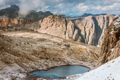 Rifugio Pisciadu auf Sella Ronda Dolomites Italy stockfotos