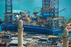 Rig Leaves Shipyard de furo Imagem de Stock