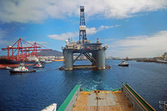 Free Rig Move Of An Semi Submersible Drilling Rig Stock Photography - 9074102