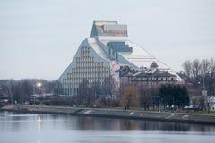 Riga, Ansicht über Nationalbibliothek Stockfotos