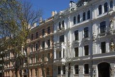 Riga, Ausekla 4-6, edificios históricos con los elementos del eclecticismo y Art Nouveau Imagenes de archivo