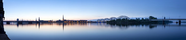 Riga citylinepanorama i otta Royaltyfria Foton