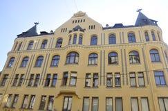 Riga 22 de agosto de 2014 - gatos na construção do telhado de Riga em Letónia Foto de Stock