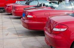 Riga dei cabriolets rossi Immagini Stock Libere da Diritti