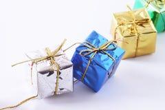 Riga dei contenitori di regalo Immagine Stock Libera da Diritti