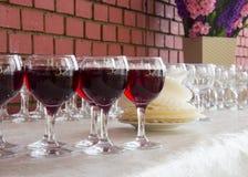 Riga dei vetri di vino Fotografia Stock