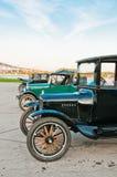 Riga delle automobili di modello di T Immagini Stock