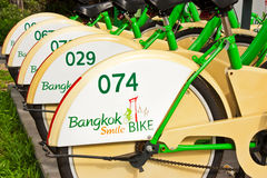 Riga delle biciclette stata allineata fotografie stock