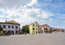 Riga delle case residenziali variopinte a Venezia fotografia stock libera da diritti