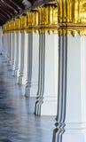 Riga delle colonne del balcone Immagini Stock
