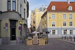 Riga, den gamla staden, genomskärningen Palast och ny gata Arkivbild