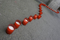 Riga di candele rosse Immagini Stock Libere da Diritti