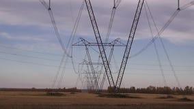 Riga di energia elettrica stock footage