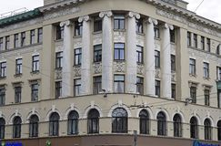 Riga Elizabetes gata 38 som är eklektisk, arkitekt Ernest Pole, detaljer av fasaden Arkivbild