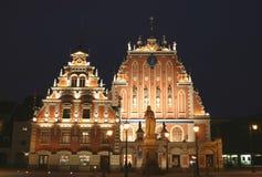 Riga em Noite fotografia de stock royalty free