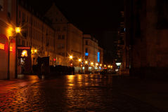 riga för stadslatvia natt town Royaltyfria Bilder