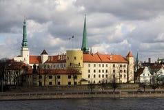 riga för uppehåll för slottlatvia gammal president town Slotten är en uppehåll för en president av Lettland (gammal stad, Riga, L arkivbilder