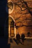 Riga gamla stadsreflexioner i fönster Royaltyfri Fotografi
