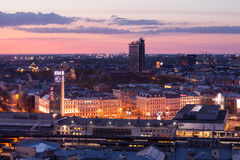Riga järnvägstation på aftonen Royaltyfri Fotografi