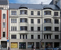 Riga, la façade de bâtiment sur Dzirnavu 63, Art Nouveau photos stock