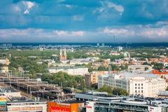 Riga, Latvia Aerial Cityscape Vista superior de señales - CEN de Riga Fotos de archivo libres de regalías