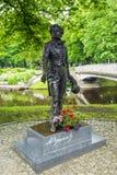 RIGA LATVIA-JUNE 12, 2017: Monumentet till Pushkin är en sculptu Royaltyfri Fotografi