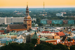Riga, Letland Cityscape Hoogste Mening van Riga Beroemd Dom Dome Cathedral - Stock Foto
