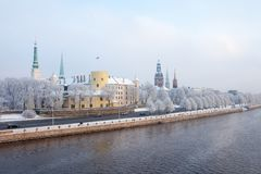 Riga, Letland Cityscape van Riga in de winter Stock Afbeelding