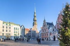 RIGA, LETLAND - DECEMBER 30 2015: Stadhuisvierkant bij Kerstmis Royalty-vrije Stock Foto