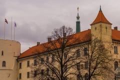 Riga, Letland: Het Rigaskasteel is een kasteel op de banken van rivier Daugava in Lets hoofdriga, woonplaats van de Voorzitter va stock foto