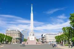 RIGA, 12 LETLAND-JULI, 2017: Het Vrijheidsmonument in Riga - een symbool van vrijheid en onafhankelijkheid van Letland royalty-vrije stock foto