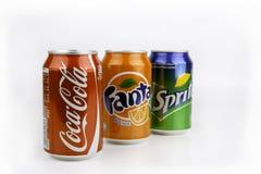 Riga, Letland - Maart 13, 2016: Coca Cola, Fanta en Sprite kunnen zijn Stock Fotografie