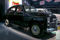 RIGA, LETLAND - OKTOBER 16: Retro auto van het Museum van de jaar 1951 GAZ M20 POBEDA Riga Motor, 16 Oktober, 2016 in Riga, Letla Stock Fotografie