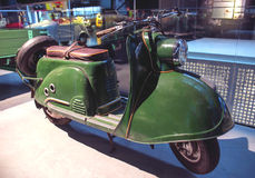 RIGA, LETLAND - OKTOBER 16: Retro motorfietsen van het jaar 1959 TMZ T200 TULA Riga Motor Museum, 16 Oktober, 2016 in Riga, Letla Royalty-vrije Stock Foto
