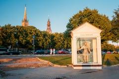 Riga, Letland St Christopher, of Groot Kristaps-Standbeeldbeeldhouwwerk stock foto