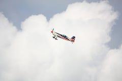 RIGA, LETONIA - 20 DE AGOSTO: Pilote de los E.E.U.U. Jeff Boerboon en suplemento Imagen de archivo libre de regalías