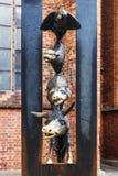 RIGA, LETONIA - 11 DE JUNIO DE 2017: un monumento a los músicos de Bremen Imagen de archivo libre de regalías
