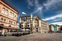 Riga, Lettland - August 2018: Ansicht über Stadt Hall Square in Riga Der quare Latvian Ratslaukums ist einer der Zentrale stockbilder