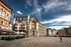 Riga, Lettland - August 2018: Ansicht über Stadt Hall Square in Riga Der quare Latvian Ratslaukums ist einer der Zentrale stockfotografie