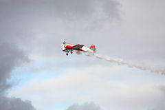 RIGA, LETTLAND - 20. AUGUST: Pilot von Russland Svetlana Kapanina an Stockbilder