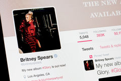 RIGA LETTLAND - Februari 02, 2017: Världar berömd sångare- och konstnärBritney Spears profil på Twitter Royaltyfri Bild