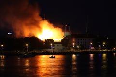 Riga, Lettland - 21. Juni: Lettischer Präsidentenpalast und Geschichte-mus Stockfotos