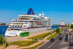 Riga, Lettland - 24-May-2016: Fähre im Hafen von Riga Lizenzfreies Stockfoto