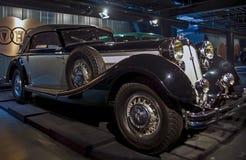 RIGA LETTLAND - OKTOBER 16: Retro bil av årsHorch 853 Riga det motoriska museet 1936, Oktober 16, 2016 i Riga, Lettland Royaltyfria Bilder