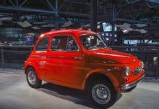 RIGA LETTLAND - OKTOBER 16: Retro bil av motormuseet för år 1962 STEYR PUCH 500D Riga, Oktober 16, 2016 i Riga, Lettland Arkivbilder