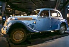 RIGA LETTLAND - OKTOBER 16: Retro bilBMW 326 Riga motoriskt museum, Oktober 16, 2016 i Riga, Lettland Arkivfoto